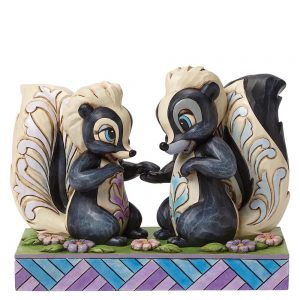 Love is in the air (Flower and Miss Skunk Figurine)